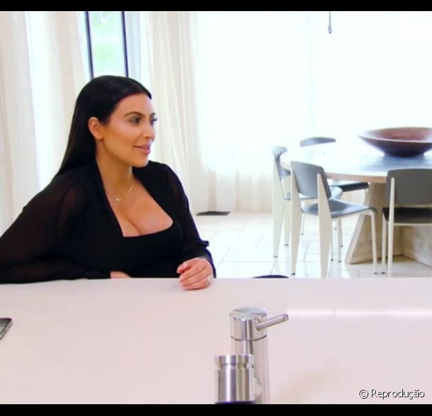 No reality show 'Keeping Up With The Kardashians', Kim Kardashian admitiu para a mãe estar preocupada com inchaços em seu corpo, que seriam um sintoma de diabetes