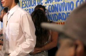 Sabrina Sato é clicada aos beijos com rapaz em quadra de escola de samba. Fotos!