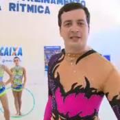 Rafael Cortez usa collant e treina ginástica artística no 'CQC': 'Muito macho'