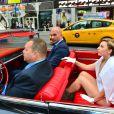 A estrela pop chegou a bordo de um carro conversível ao estúdio do programa 'Good Morning America' e parou a Times Square, um dos principais pontos turísticos de Nova York