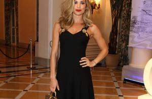 Grazi Massafera usa look Dolce & Gabbana de quase R$32,5 mil para receber prêmio
