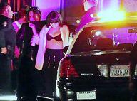 Selena Gomez deixa sutiã à mostra e é presa em gravação de novo clipe