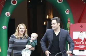 Hilary Duff passeia com o filho, Luka Cruz Comrie, e o marido em Los Angeles