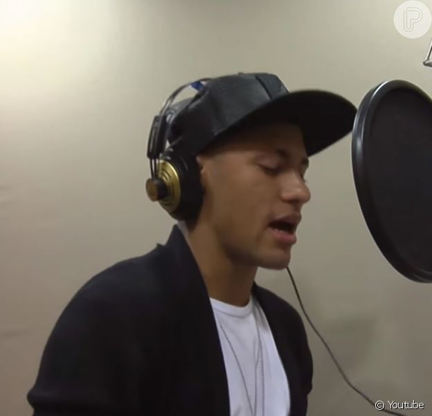 Neymar cantou no clipe 'O Amor Tá Aí, em prol do instituto que leva o seu nome