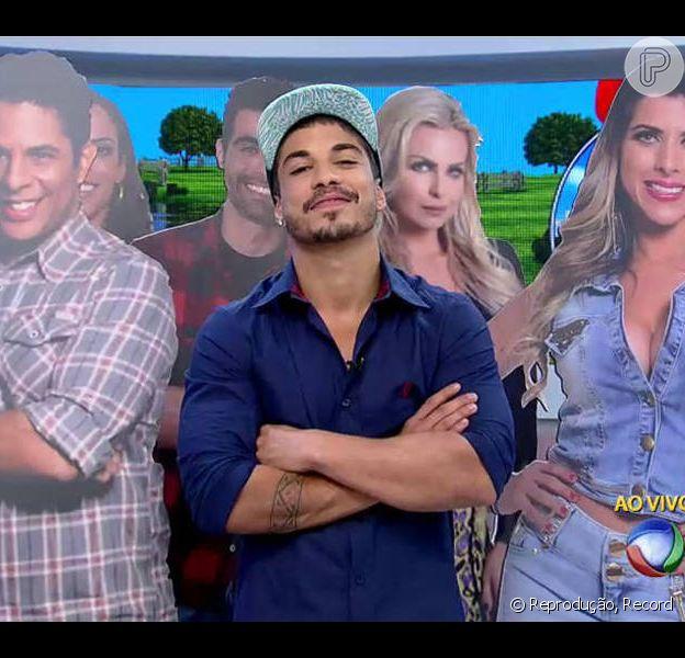 Campeão da Fazenda, Douglas Sampaio esteve no 'Hoje em Dia' e comentou a agressão que sofreu de Mara Maravilha na última festa do reality show