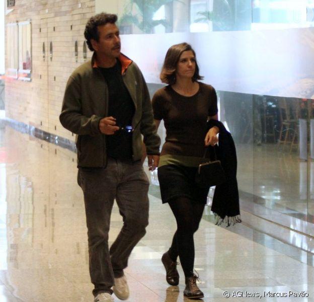 Marcos Palmeira e Georgiana Góes vão ao cinema juntos, em 28 de agosto de 2013