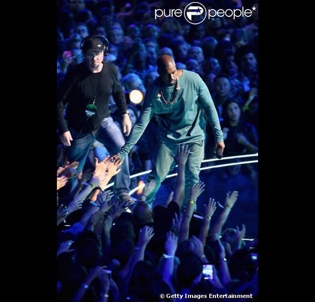 Kanye West volta a fazer shows após 5 anos. A primeira apresentação será em 19 de outubro de 2013