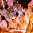 Caetano Veloso, Regina Casé e Ana Carolina foram alguns dos famosos que participaram do desfile da Mangueira em homenagem a Maria Bethânia no final da madrugada desta terça-feira, 9 de fevereiro de 2016