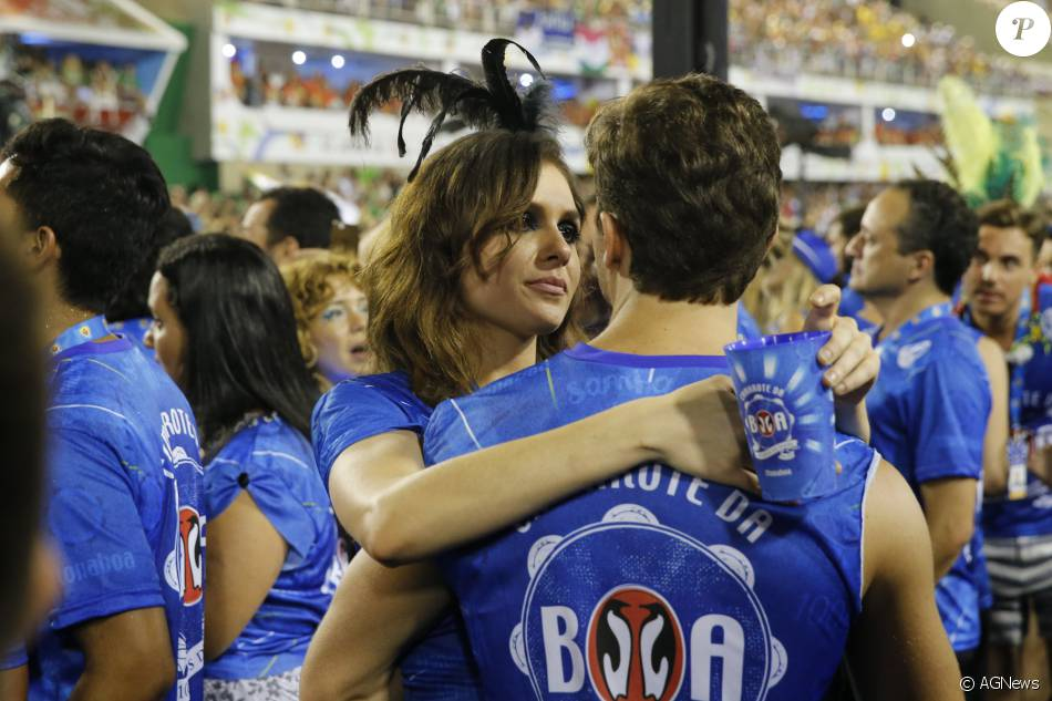 fd430882d Monica Iozzi foi flagrada aos beijos com Klebber Toledo