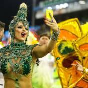 Viviane Araújo usa celular em desfile e faz Mancha Verde perder um décimo