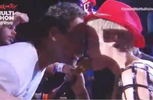 Rock in Rio: Jessie J quase beija fã na boca e enlouquece público do festival