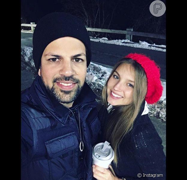 Cantor Sorocaba, que faz dupla com Fernando, assumiu namoro na web e passou o Dia dos Namorados americano ao lado da modelo Andressa Mora