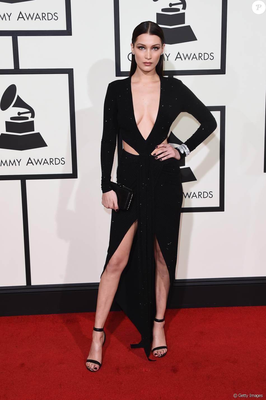 419016de73 Bella Hadid usou vestido preto