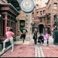 Anitta , família e amigos se divertem em Orlando