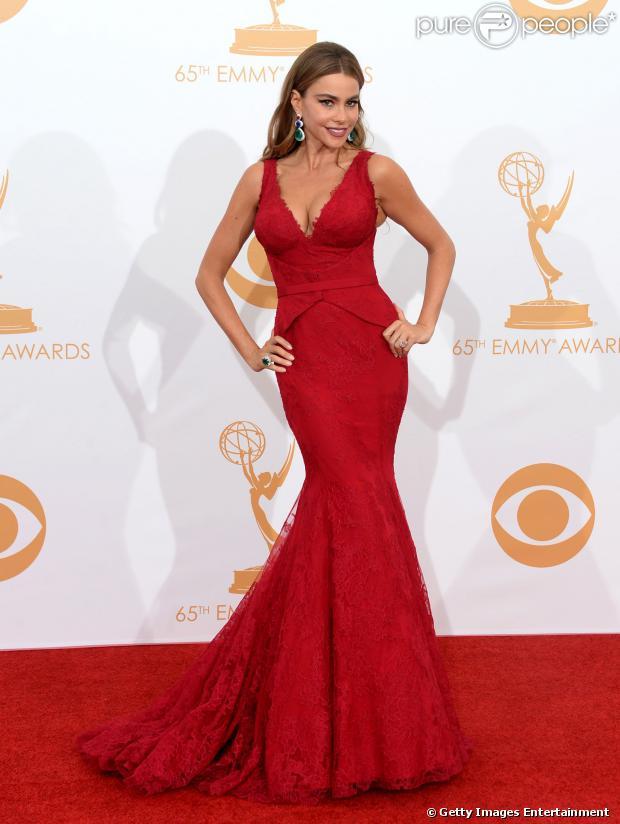 d4059795b Veja o look das famosas como Sofia Vergara que se destacaram no Emmy ...