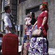 Valdirene (Tatá Werneck) se muda com a filha e Márcia (Elizabeth Savala) para a casa de Ignácio (Carlos Machado), em 'Amor à Vida'