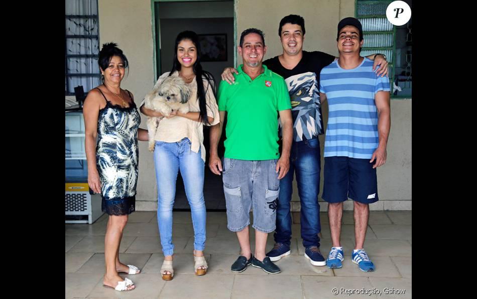 Pais de Munik voltaram a pronunciar na noite desta segunda-feira, 04 de abril de 2016, sobre o ex-namorado da sister que desistiu de voltar ao Brasil