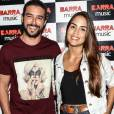 Pérola Faria e Bernardo Velasco posaram juntos pela primeira vez no show da Anitta
