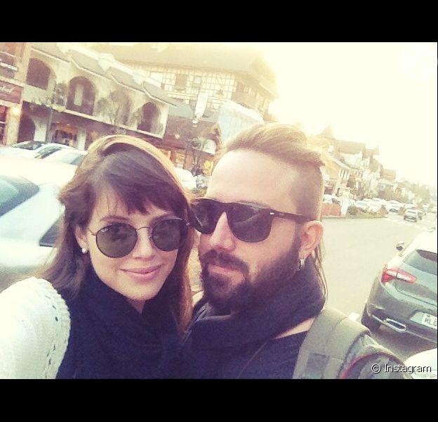 Agatha Moreira terminou o namoro com o cineasta Pedro Nicoll, diz o colunista Leo Dias, do jornal 'O Dia', nesta segunda-feira, 11 de abril de 2016