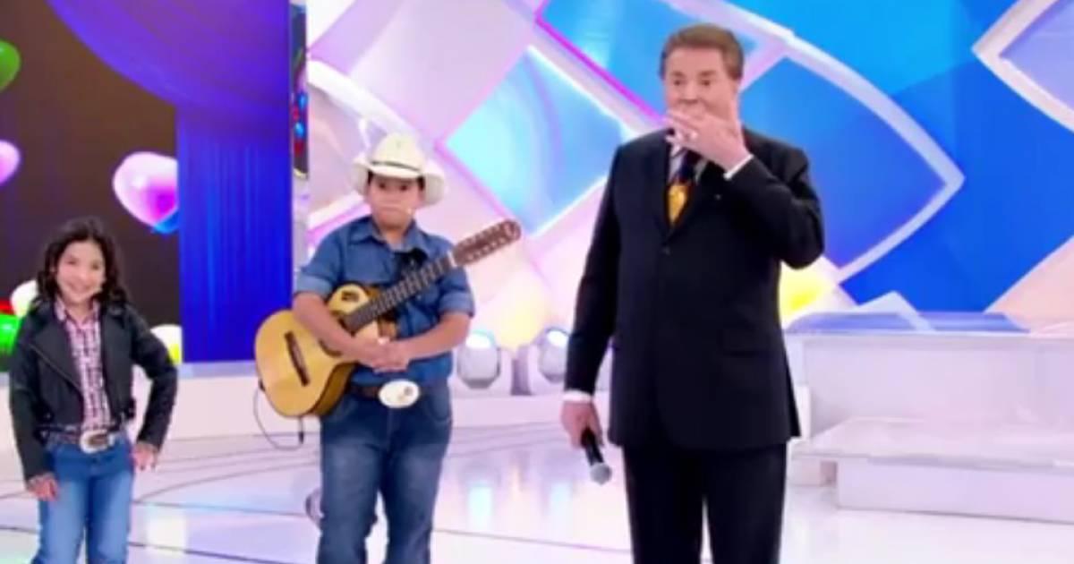 5d4a348e9bdc5 Silvio Santos brincou com João Guilherme Ávila e chamou o ator de   bichinha  - Purepeople
