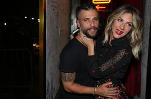 Bruno Gagliasso exibe novo visual em festa de 34 anos com presença de famosos