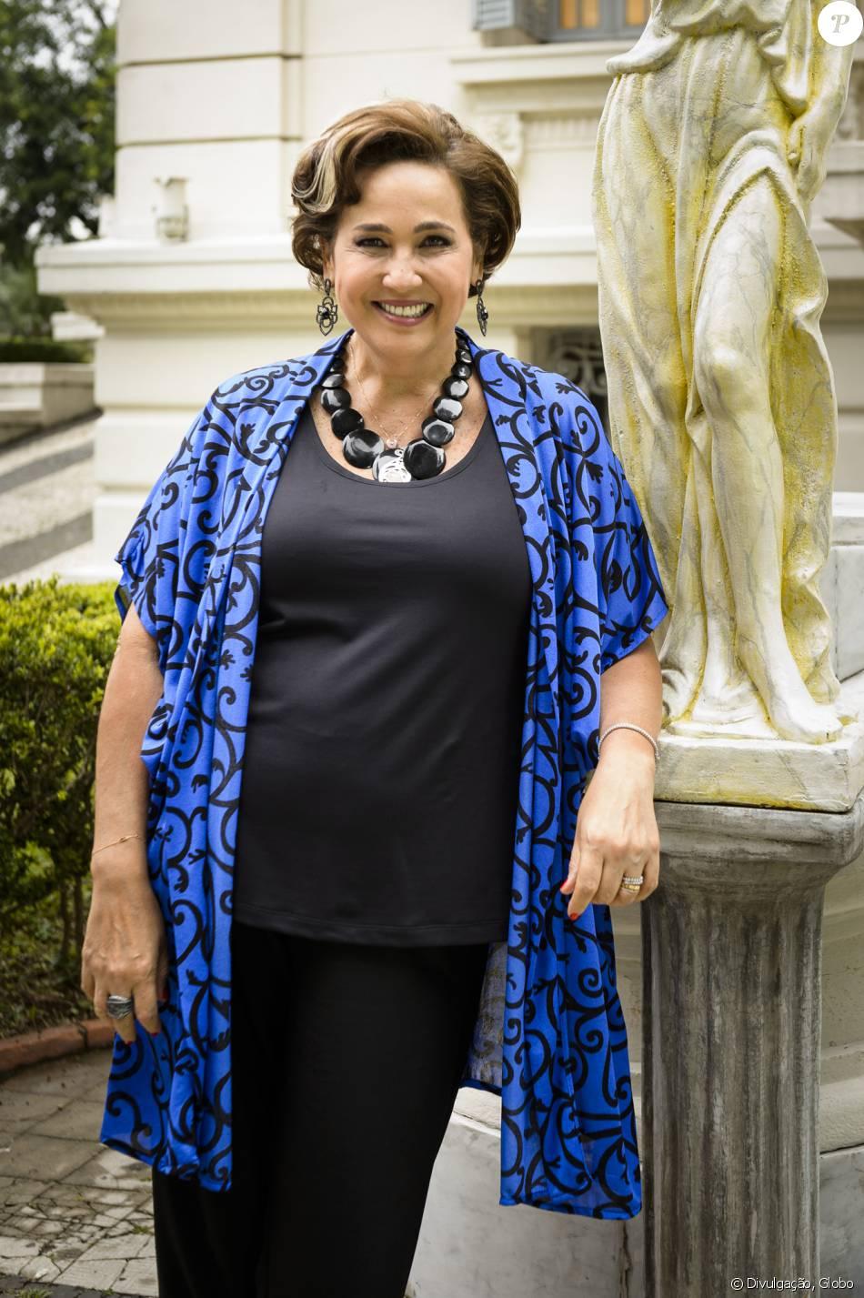 """Claudia Jimenez comemora volta às novelas como Lucrécia Abdala em 'Haja Coração': 'Vai bombar!"""""""