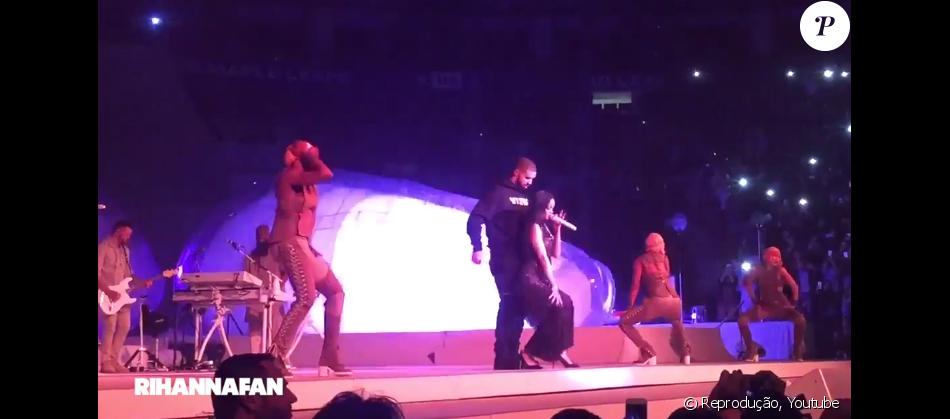 Rihanna sensualizou com Drake durante um show na Air Canada Centre em Toronto, no Canadá, na noite de quinta-feira, 14 de abril de 2016