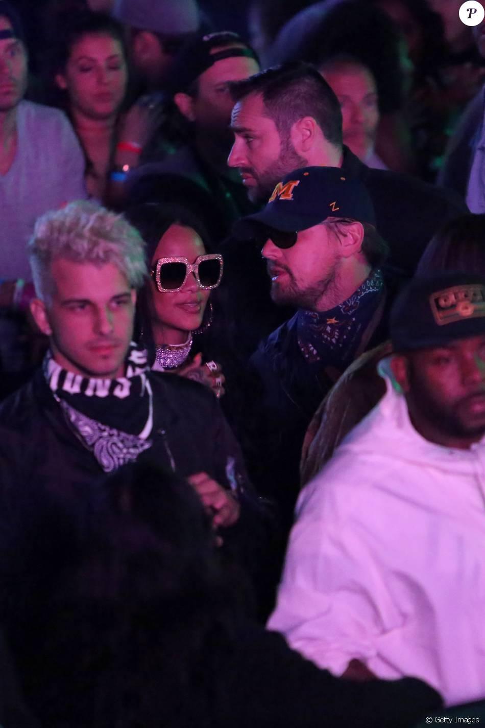 Rihanna e Leonardo DiCaprio são fotografados juntos no Festival Coachella, nos Estados Unidos, neste sábado, 16 de abril de 2016