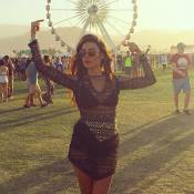 Thaila Ayala aposta em vestido Helô Rocha de R$ 6 mil para curtir o Coachella