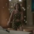 Juliana Paiva usou top frente única em cenas da novela 'Totalmente Demais' nesta segunda-feira, 18 de abril de 2016