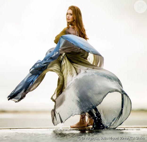Eliza (Marina Ruy Barbosa) posa para um ensaio fotográfico da revista 'Totalmente Demais' no Uruguai