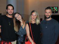 Giovanna Lancellotti e o namorado, Gian Luca Ewbank, vão juntos ao teatro. Fotos