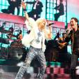 Paula Toller canta com Nando Reis durante o projeto 'Nivea Viva Rock Brasil'
