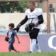 Alexandre Frota gosta de praticar futebol americano