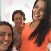 Thais Fersoza exibe barrigão de 5 meses com a mãe e a irmã: 'Meninas da família'