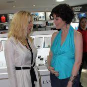 Grávida, Larissa Maciel surpreende Leticia Spiller com barriguinha de 5 meses