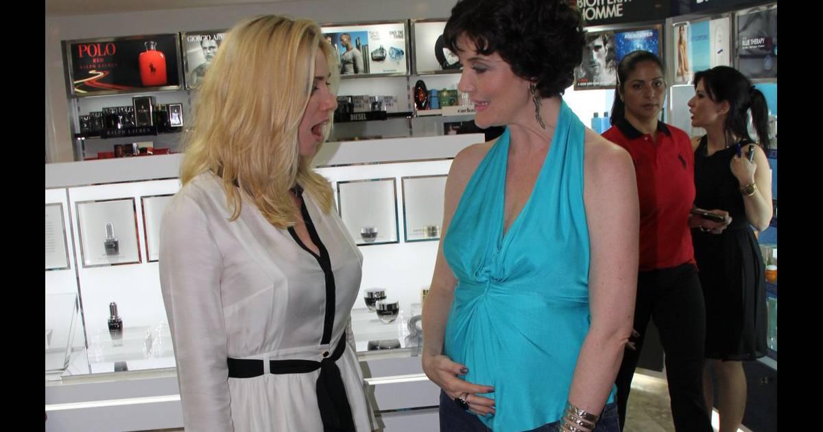 Grávida, Larissa Maciel surpreende Leticia Spiller com barriguinha de 5  meses - Purepeople aa6c41a16c