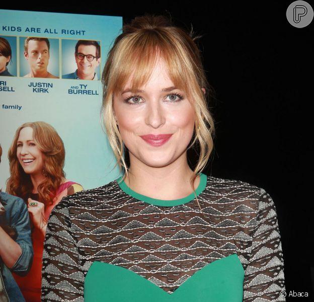 Assim como Charlie Hunnam, Dakota Johnson pode deixar de atuar em '50 Tons de Cinza'
