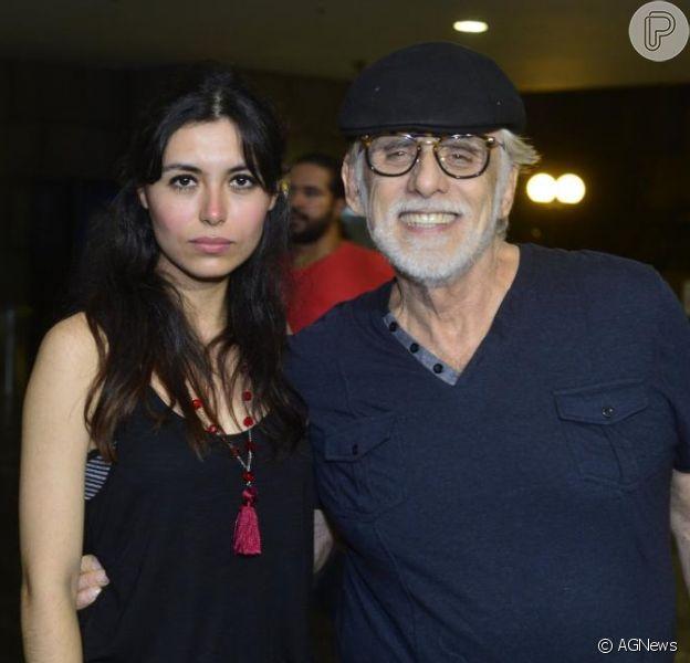 Francisco Cuoco e Thaís Almeida são a capa da revista 'Caras', que chega às bancas nesta quarta-feira, 23 de outubro de 2013