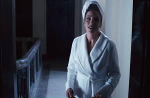 Ivete Sangalo aparece de roupão e toalha na cabeça no trailer de