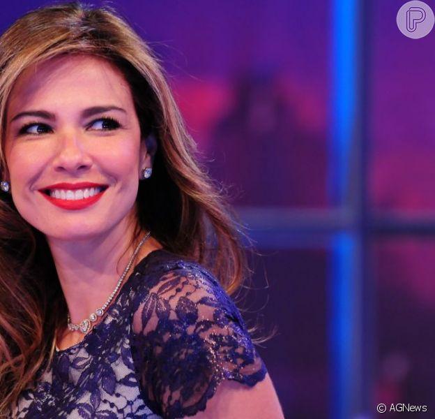Luciana Gimenez comemora 44 anos neste domingo, 3 de novembro de 2013