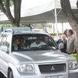 Naldo deixou o velórido de sua mãe, dona Ivonete, após uma hora de cerimônia no cemitério Memorial do Carmo, no Caju, no Rio de Janeiro, na tarde desta quinta-feira, 31 de outubro de 2013