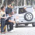Naldo deixou o velório da mãe e não falou com o filho, Pablo Jorge, durante toda a cerimônia e na saída, no cemitério Memorial do Carmo, no Caju, no Rio de Janeiro, na tarde desta quinta-feira, 31 de outubro de 2013