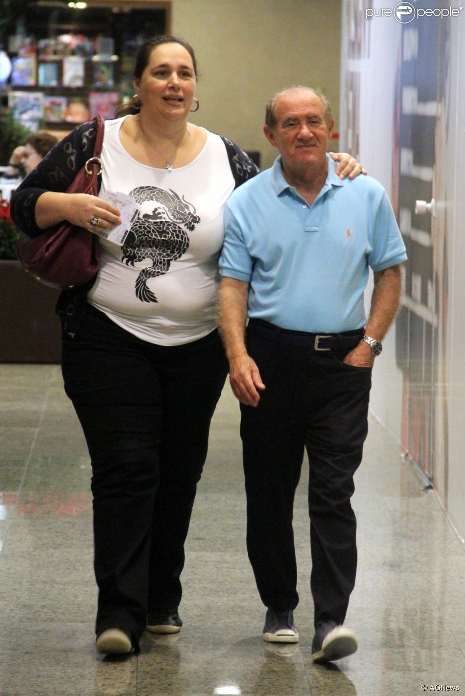 Renato Aragão e a mulher, Lílian, aprovam namoro da filha, Lívian -  Purepeople