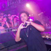 Filho de Tom Cruise se apresenta como DJ na Costa do Sauípe, Bahia
