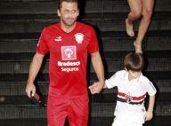 Henri Castelli participa do Jogo das Estrelas organizado por Zico e leva o filho