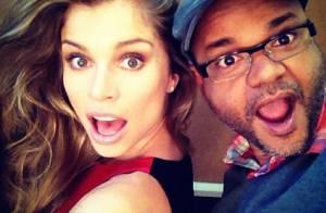 Grazi Massafera brinca com amigo em foto e aparece em novo vídeo da L'Oréal