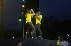Ivete Sangalo e Thiaguinho cantam no lançamento da camisa da Seleção Brasileira