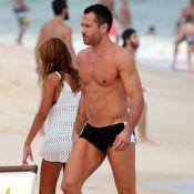 Malvino Salvador mostra barriga tanquinho ao lado de Kyra Gracie em praia. Fotos