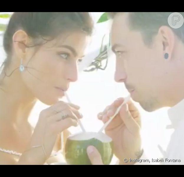 Isabeli Fontana mostra detalhes do casamento com Di Ferrero em vídeo publicado nesta sexta-feira, dia 19 de agosto de 2016